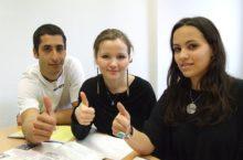 language-school-834140_640
